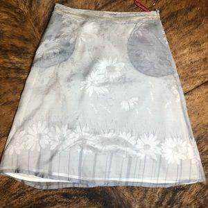 Hugo Boss gray floral silk skirt size 2